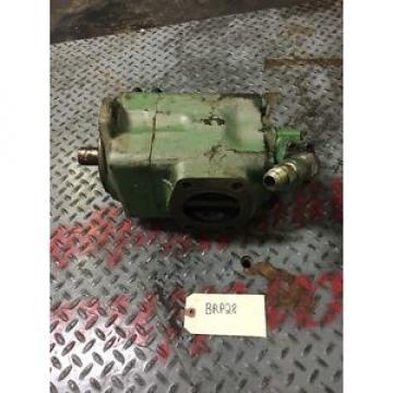 Vickers Original and high quality 2720171 Vane Pump 2884865 2919651 2967488 20V 50A Warranty!
